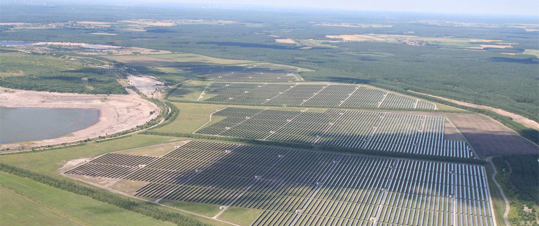 unlimited energy GmbH - Photovoltaikanlage aus der Luft